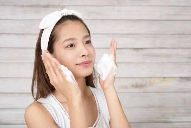 毛穴悩み解消には日々の洗顔が重要
